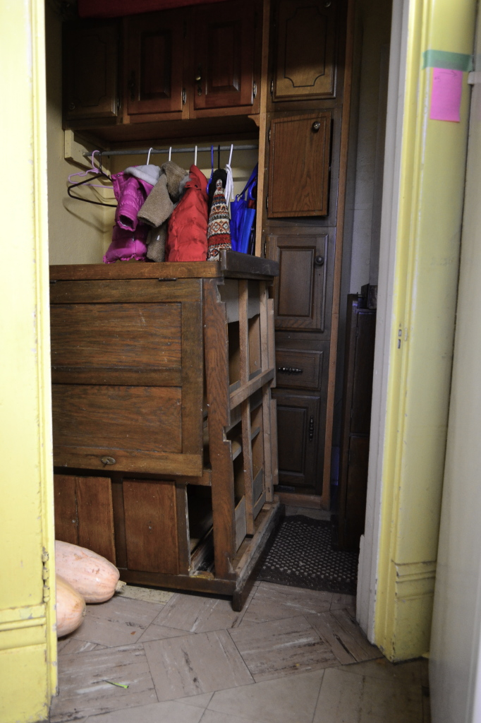 hoosier cabinet won't fit through swinging door